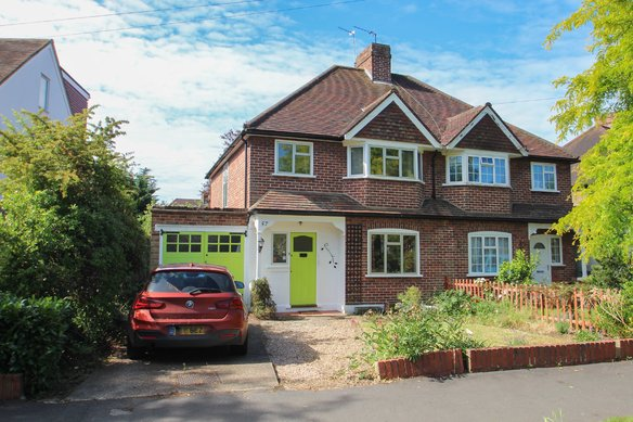 Similar Properties Couchmore Avenue, Hinchley WoodGrosvenor Billinghurst