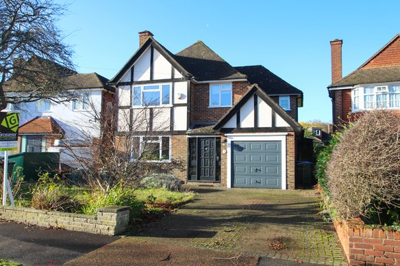 Similar Properties Harefield, Hinchley WoodGrosvenor Billinghurst