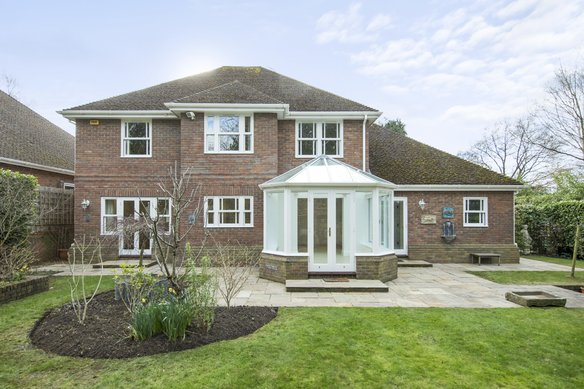 Latest Properties Howitts Close, Esher Grosvenor Billinghurst