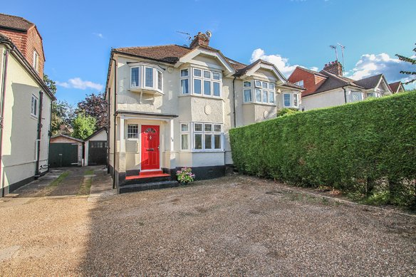 Similar Properties Milbourne Lane, EsherGrosvenor Billinghurst