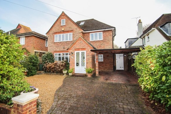 Latest Properties Oaken Drive, Claygate Grosvenor Billinghurst