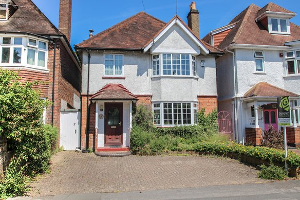 Similar Properties Raleigh Drive, ClaygateGrosvenor Billinghurst