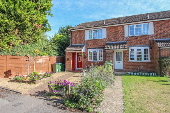 Similar Properties Rushett Close, Thames DittonGrosvenor Billinghurst