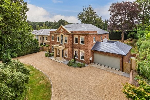 Similar Properties Sandy Lane, CobhamGrosvenor Billinghurst