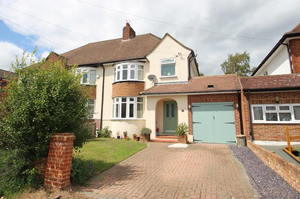 Latest Properties Woodfield Road, Thames Ditton Grosvenor Billinghurst