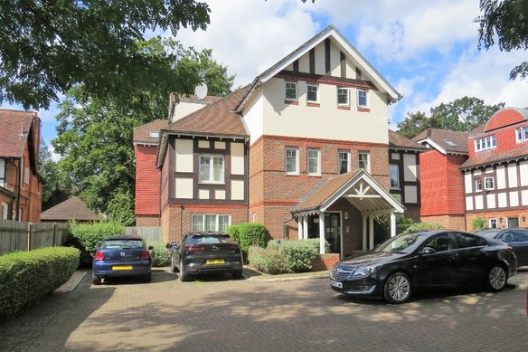 Similar Properties Coley Avenue, WokingGrosvenor Billinghurst