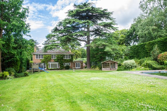 Latest Properties Fairmile Lane, Cobham Grosvenor Billinghurst