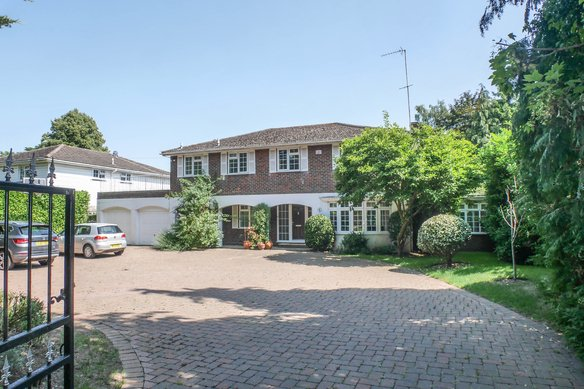 Similar Properties Leigh Hill Road, Grosvenor Billinghurst