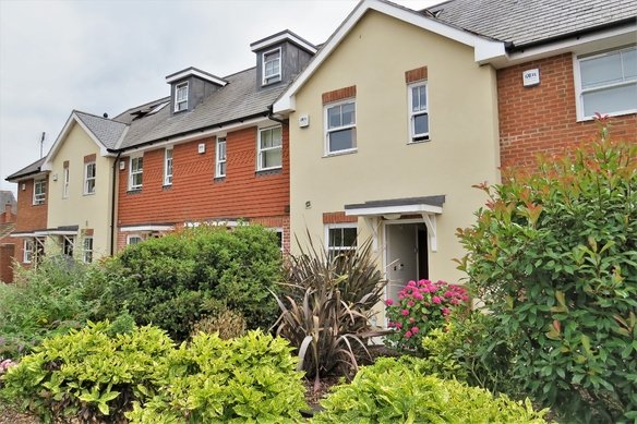 Similar Properties Queens Road, Grosvenor Billinghurst