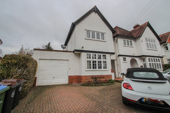 Latest Properties Raleigh Drive, Claygate Grosvenor Billinghurst