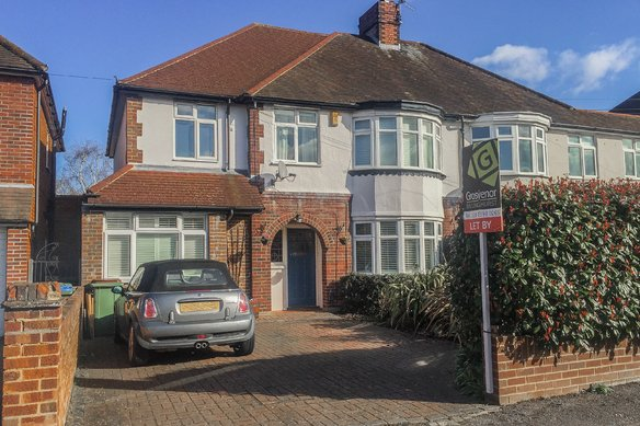 Similar Properties Westmont Road, Hinchley WoodGrosvenor Billinghurst