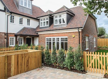 2 & 3 Bedroom New Duplex for Sale in Glenavon Close, Claygate, KT10