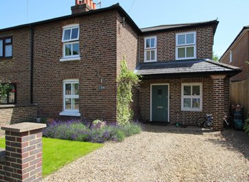 Property to rent in The Causeway, Claygate, KT10